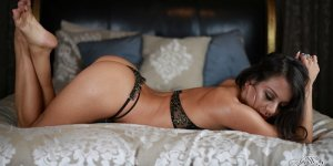 Tahra live escort in Troy