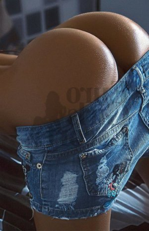 Luce-marie escorts in Elizabethtown PA